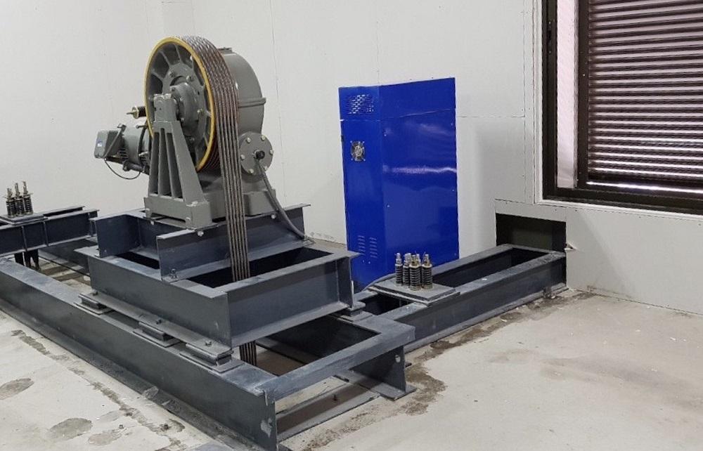 động cơ thang máy chở hàng